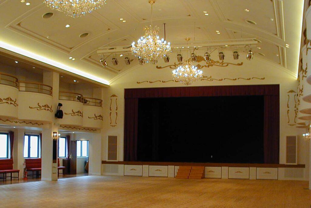 ザ・ゴールデンパレス大阪(大ホール)